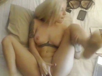 Busty Blonde in a Super Hot Masturbation Show