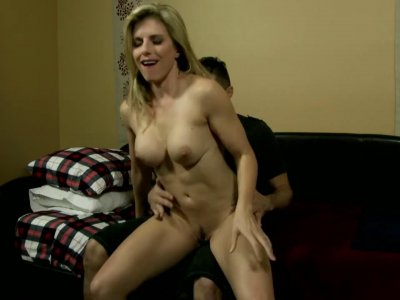 Sexy mom with big tits services young guys big dick