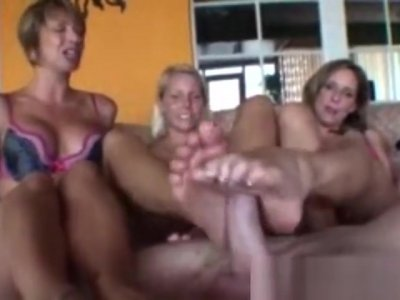 Brianna Beach triple footjob