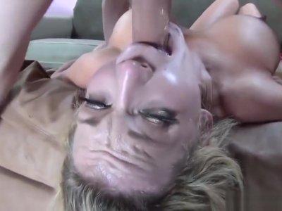 Nikki Sexx Gets Her Sexy Throat Fucked
