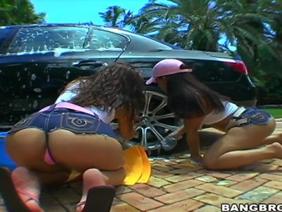 Naked Micah Moore and Pinky clean this car down
