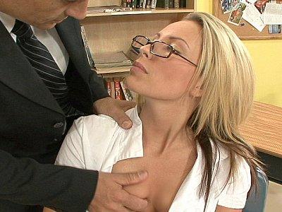 Hot student on her teacher's cock