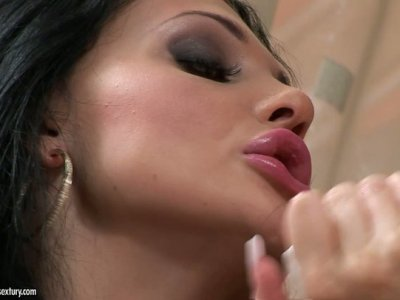 Aletta Ocean fuck Zafira's tight delicious cunt with big red dildo