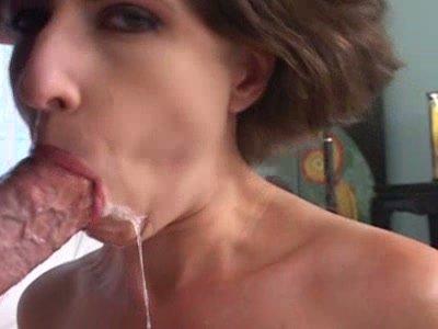 Cum gourmet Lena Ramon provides a dick with a stout deepthroat