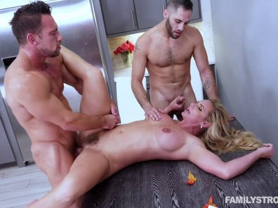 Bubble butt MILF gets double fucked and creampied MMF threesome